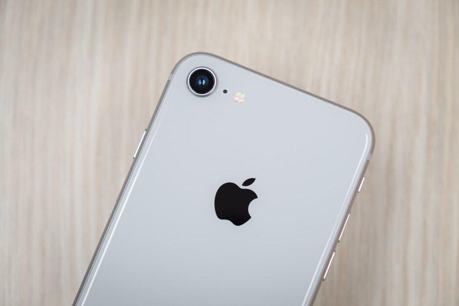 Następca iPhone'a SE wzorowany na iPhonie 8 ma trafić na sklepowe półki w przyszłym roku