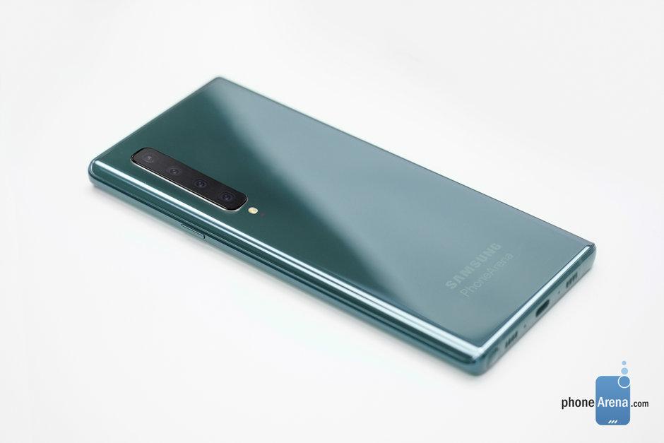 Czy Samsung Galaxy Note 10 wprowadzi kontrowersyjną zmianę w wyglądzie telefonu?